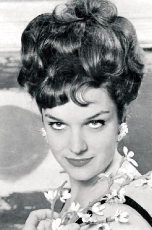 Selda Alkor gençliğinde çok güzel bir kadındı.